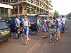 Vertrek fietsclub foto 8